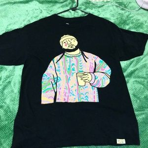 Large Black t-shirt w/ Asap Yams on it.